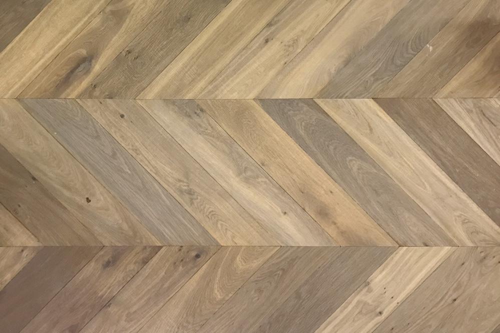 Uitgebreide collectie massief houten vloeren